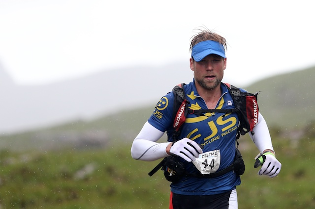 With only 14km to run, Johan still oohs strong and he passes behind Liatach towards the Glen Torridon road.
